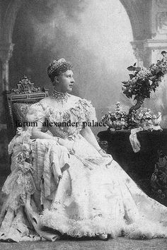 Princess Mary, or Marie, of Hanover, wearing a fairly large meander tiara. This tiara seems to have been inherited by her niece, Princess Marie Louise of Hanover, who went onto marry Prince Maximilian of Baden.
