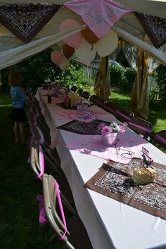 The Bandannas R A Cute Idea For Something On The Tables in Pink And Brown Cowgirl Party Decorations Horse Birthday Parties, Cowgirl Birthday, Bday Girl, Farm Birthday, Birthday Party Themes, Birthday Ideas, Horse Party, Cowboy Party, Rodeo Party