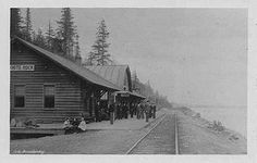 The Great Northern Station along White Rock beaches was originally used to transport residents from New Westminster and Vancouver to the beaches of White Rock and South Surrey.  Here it is in 1913.