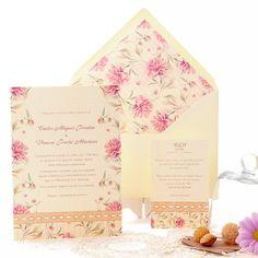 invitacin de boda romntica y delicada con acuarela de flores en tonos rosas y lencera