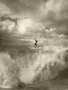 Surf ➖➖➖➖➖➖➖➖➖ ➖➖➖➖➖➖➖➖➖ Clouds ➖➖➖➖➖➖➖➖➖ Waves ➖➖➖➖➖➖➖➖➖ Black-and-white ➖➖➖➖➖➖➖➖➖ Ocean ➖➖➖➖➖➖➖➖➖ No Wave, Big Waves, Ocean Waves, Ocean Beach, Ed Freeman, Sup Yoga, Surf Style, Surfs Up, Pin Up