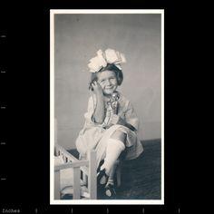 Старое фото девушка разговаривает по телефону улыбающиеся подсвечник портрет бант в волосах | eBay