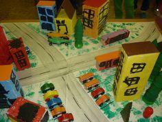 Naše město z pomalovaných krabiček