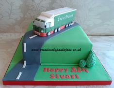 Birthday Cakes For Men, Happy Birthday, Truck Cakes, Novelty Cakes, Churros, Fathers Day, Drink, Pie Cake, Fondant Cakes