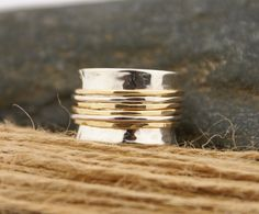 Spinner Ring Silver and Gold STYLE02 par BelViaggioDesigns sur Etsy,