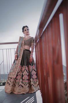 Looking for Offbeat teal sabyasachi bridal lehenga? Browse of latest bridal photos, lehenga & jewelry designs, decor ideas, etc. Sabyasachi Lehenga Bridal, Indian Bridal Lehenga, Indian Bridal Outfits, Indian Bridal Wear, Indian Designer Outfits, Lehenga Choli, Indian Dresses, Bridal Dresses, Anarkali