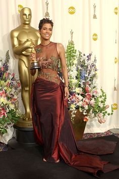 Halle Berry in Elie Saab (Oscars, 2002) her acceptance speech in this is seared into my brain, love her.
