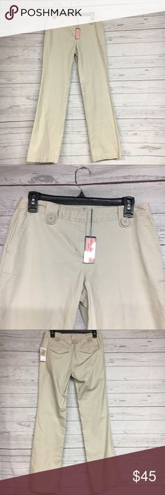 """Vineyard Vines Heartwood Chino Pants SZ 2 Brand new with tags. Please refer to images for more details about this item. If you have any questions lease feel free to ask. Measure,nets are taken with the item laying flat.  Inseam 34""""  Waist 15"""" Vineyard Vines Pants Straight Leg"""
