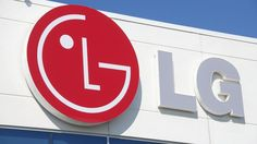 #LG plans to launch a #smartphone with a #flexible #OLED #display in Q4 2013, the company has announced during its financial results call.