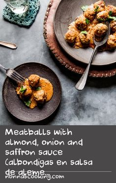 Meatballs with almond, onion and saffron sauce (albondigas en salsa de alemendras y azafran) Cooked Salmon Recipes, Minced Beef Recipes, Minced Meat Recipe, Crab Meat Recipes, Mince Recipes, Kale Recipes, Dishes Recipes, Cooking Salmon, Almond Recipes