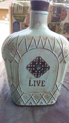 Wine Bottle Art, Glass Bottle Crafts, Diy Bottle, Beer Bottle, Bottles And Jars, Glass Bottles, Mason Jars, Christmas Gift Quotes, Decorated Liquor Bottles