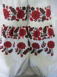 Єлизавета Бубело фб Polish Embroidery, Folk Embroidery, Embroidery Patterns, Traditional Outfits, Ukraine, Boho Shorts, Folk Art, Costumes, Stitch