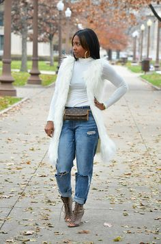 New how to wear fall outfits fur vests ideas Diva Fashion, Denim Fashion, Look Fashion, Fashion Outfits, Petite Fashion, Fall Fashion, Curvy Fashion, Fashion Tips, Fashion Trends