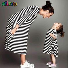2017 familie bijpassende moeder dochter jurken kleding gestreepte mom dochter jurk kids ouder kind outfits Mode Familie look(China (Mainland))