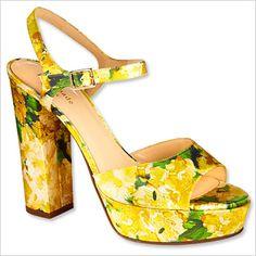 Dare to Wear Color - Dare: Step It Up With Prints Als je niet van bloemenjurken houdt, neem je toch een bloemenschoen ?
