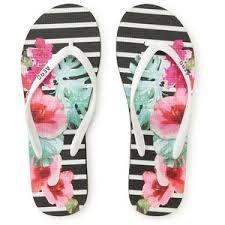 Resultado de imagen para beach sandals aeropostale