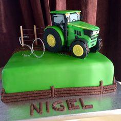 John deer tractor cake