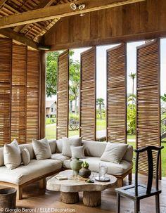 Des espaces ouverts sur l'extérieur Bamboo Architecture, Tropical Architecture, Interior Architecture, Interior And Exterior, Interior Design, Design Design, Bamboo House Design, Tropical House Design, Tropical Houses