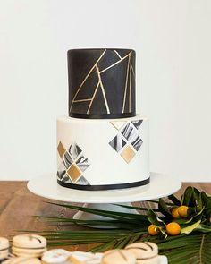 portfolio Simple Modern Minimal Elegant Unique Present Personal Cake Wedding Birthday Occasion Celebrate Eclectic