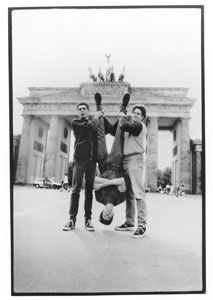 Shellac - Official Website: http://www.touchandgorecords.com/bands/band.php?id=22