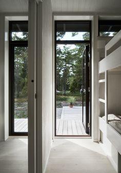 Skogshuset vid stranden, Gotland – M.Arkitektur Summer Cabins, Rest House, Maine House, Black House, Modern Architecture, Beautiful Homes, House Ideas, Cottage, Interior Design