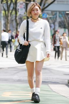 Chihiro is wearing the Corduroy Circle Skirt in Creme by #AmericanApparel.  #fashion #streets #tokyo #japan #skirts