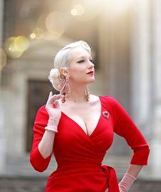Rachel Ann Jensen ♥ Rockabilly Fashion, Retro Fashion, Vintage Fashion, Vintage Dresses, Vintage Outfits, Buxom Beauties, Pin Up, Pinup Girl Clothing, Estilo Retro