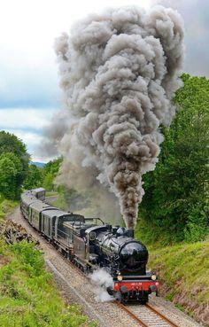 By Train, Train Tracks, Train Wallpaper, Limousin, Choo Choo Train, Old Trains, Train Pictures, Train Engines, Back Road