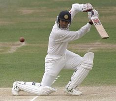 Although busy cracking runs, Dravid also attended St. Joseph's College of Commerce in Bangalore.  http://www.21articles.com/Article/1335/Rahul-Dravid-The-player-and-the-man