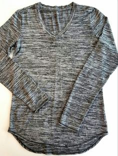 Versona | Charcoal Long Sleeve V-Neck | Size Small