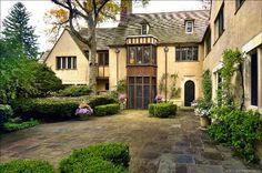 "thefoodogatemyhomework: "" Courtyard of a half timber style, stone and stucco English manor in Lake Forest, Illinois by architect Russell Walcott. Ever seen a new build tudor that looks good? Beautiful Home Designs, Beautiful Homes, Lake Forest Illinois, Old Southern Plantations, Forest Cabin, Stucco Homes, Tudor House, English Manor, French Countryside"