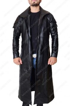Star Wars The Last Jedi Dj Coat is depicted in fashion by Benicio Del Toro requiring uncommon flapped style shoulders and shawl collar for stirring novel stretch Paris Movie, Star Wars Shop, Last Jedi, Collar Styles, Look At You, New Movies, Movie Stars, Dj, Bomber Jacket