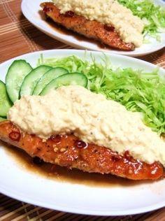 「簡単ウマーな♪南蛮サーモン」鮭の南蛮漬けではなく、チキン南蛮のサーモンver.激ウマです。揚げる手間を省いて、フライパン一つで作っちゃおう!【楽天レシピ】