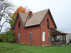 OH Mansfield - Abandoned Gothic House by scottamus, via Flickr