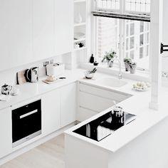 Modern Simple Tiny Kitchen Design Ideas You Will Love - Kitchen Dinning, New Kitchen, Kitchen Decor, Contemporary Kitchen Design, My New Room, Kitchen Interior, Home Kitchens, Interiores Design, Sweet Home