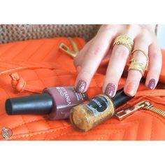 CND VINYLUX golden nails.