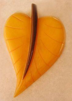 Vintage Bakelite Leaf Pin