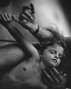 Photo by Sally Mann Sally Mann Photography, Past Present Future, Powerful Images, Great Photographers, Contemporary Photography, Documentaries, Che Guevara, Black And White, Concert
