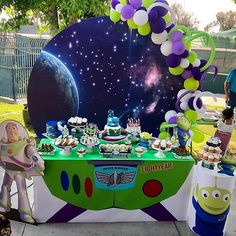 Grinch Backdrop Garland Balloons by Toy Story Buzz, Toy Story Party, Toy Story Birthday, 3rd Birthday Parties, 4th Birthday, Birthday Party Decorations, Buzz Lightyear, Party Themes For Boys, Disney Toys