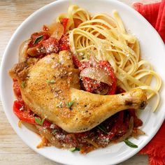 31 Fall Slow Cooker Recipes for Every Day in October Slow Cooker Huhn, Slow Cooker Chicken, Slow Cooker Recipes, Cooking Recipes, Cacciatore Recipes, Slow Cooking, Food Dishes, Pasta Dishes, Chicken