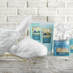 Transform your home into a personal spa day for mom. Start with a luxuriously pampering gift set that can include her favorites, such as lotions, a spa robe, pedicure essentials, aromatherapy items and spa slippers. Set the mood with relaxing music and aromatherapy candles.