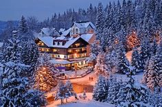 Stay at this lovely hotel in Poiana Brasov! Winter Time, Winter Holidays, Weekend Breaks Uk, Wonderful Places, Beautiful Places, Winter Family Vacations, Visit Romania, Best Ski Resorts, Famous Castles
