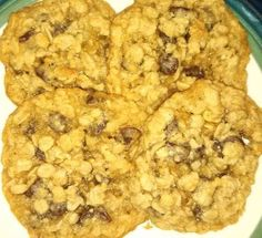 THE BEST OATMEAL CHOCOLATE CHIP COOKIE EVER!!!