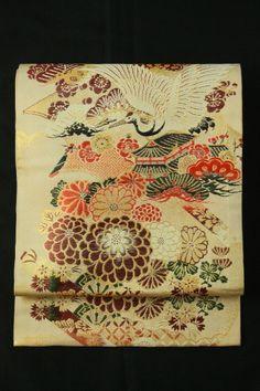 Beige maruobi, kisshou flying crane and flower pattern / ベージュ地 吉祥飛鶴花柄 丸帯   #Kimono #Japan http://global.rakuten.com/en/store/aiyama/