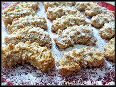 CRUMIRI ALLE MANDORLE CON E SENZA BIMBY Wing Recipes, Dog Food Recipes, Dessert Recipes, Biscotti Cookies, Yummy Cookies, My Favorite Food, Favorite Recipes, Almond Flour Recipes, Italian Cookies
