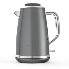With subtle yet stylish detail, the Breville Lustra Kettle in Storm Grey combines a contemporary design with the highest quality functionality.