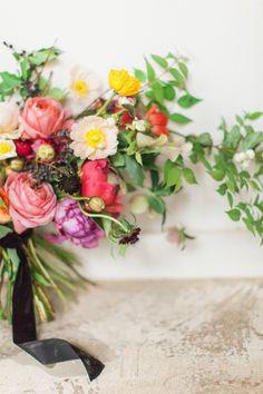Summer flower ideas | Bright wedding florals | 100 Layer Cake