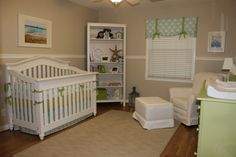 OMG OMG CHECK OUT THE PIC BEHIND THE CRIB....such a cute idea!!!! next time I am at the beach I am doing that! <3