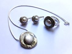 Street collection of jewelry Pearls on Silver