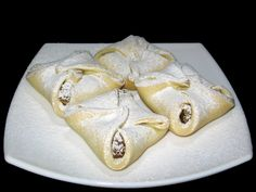 Pachetele cu mere Romanian Food, Food Cakes, Lent, Puddings, Foodies, Cake Recipes, Bakery, Deserts, Sweets